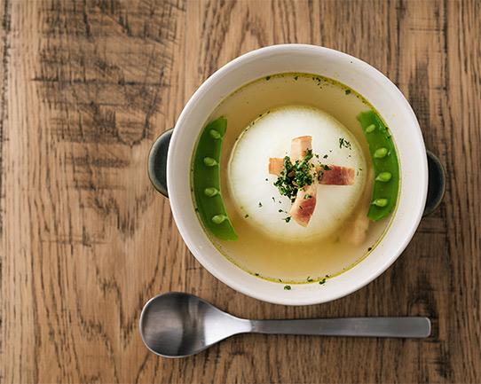 丸ごと新たまねぎのスープの画像
