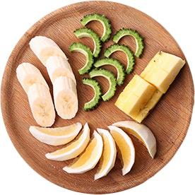 ゴーヤーと小松菜のスムージーの材料